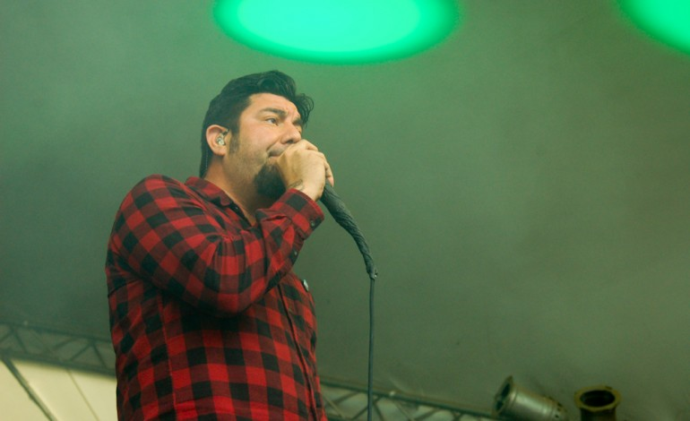 """Chino Moreno's Band Saudade Releases Haunting New Song """"Shadow's Light"""" Featuring Chelsea Wolfe"""