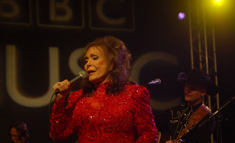 Loretta Lynn Makes Surprise Appearance at Music Hall Of Fame Induction