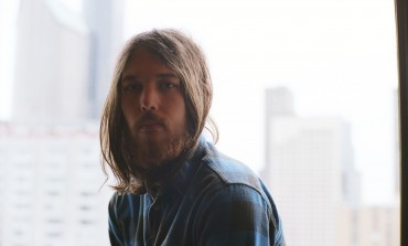 "LISTEN: Robin Pecknold Releases New Song ""Swimming"""