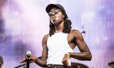 "Blood Orange Opens Coachella 2019 Set with Cover of Neil Young's ""Heart of Gold"""