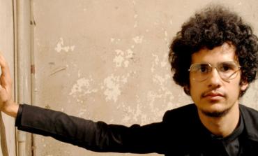 """LISTEN: Omar Rodríguez-López Covers Ellie Goulding's """"Lights"""""""