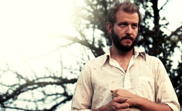 "Justin Vernon of Bon Iver Covers Bob Dylan's ""Angelina"" at 37d03d Festival"