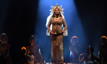 "WATCH: Beyoncé Performs ""Love Drought"" and ""Sandcastles"" at 2017 Grammy Awards While Pregnant with Twins"