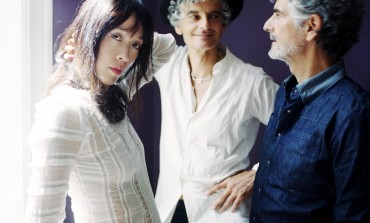 "WATCH: Blonde Redhead Release New Video for ""Golden Light"" and Announce 3 O'Clock EP for March 2017 Release"