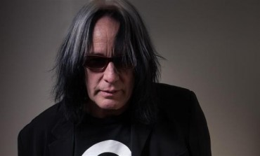 "Todd Rundgren Premieres Trump Bashing Video for ""Tin Foil Hat"" on Fox News"