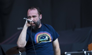 """Clutch Teaches How to Make Maryland Crab Cakes in New Video for """"Hot Bottom Feeder"""""""