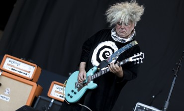 "Melvins Kick Off Chris Cornell Tribute with Cover of ""Spoonman"""