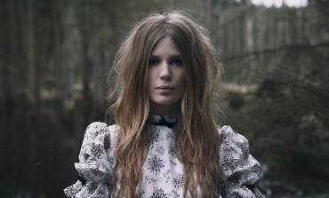 "MYRKUR Releases Alternately Pummeling and Angelic New Single ""Måneblôt"""
