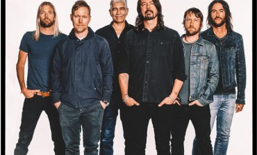 "Foo Fighters and Guns N' Roses Perform ""It's So Easy"""