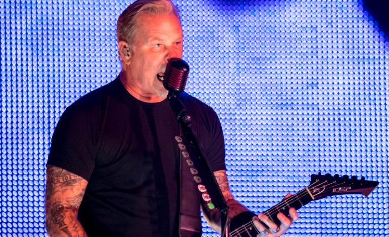 "Metallica Lead Oasis ""Don't Look Back In Anger"" Sing-Along In Manchester"
