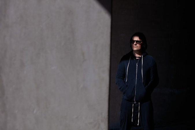 "Alessandro Cortini Releases Melancholy New Song ""Vincere"""