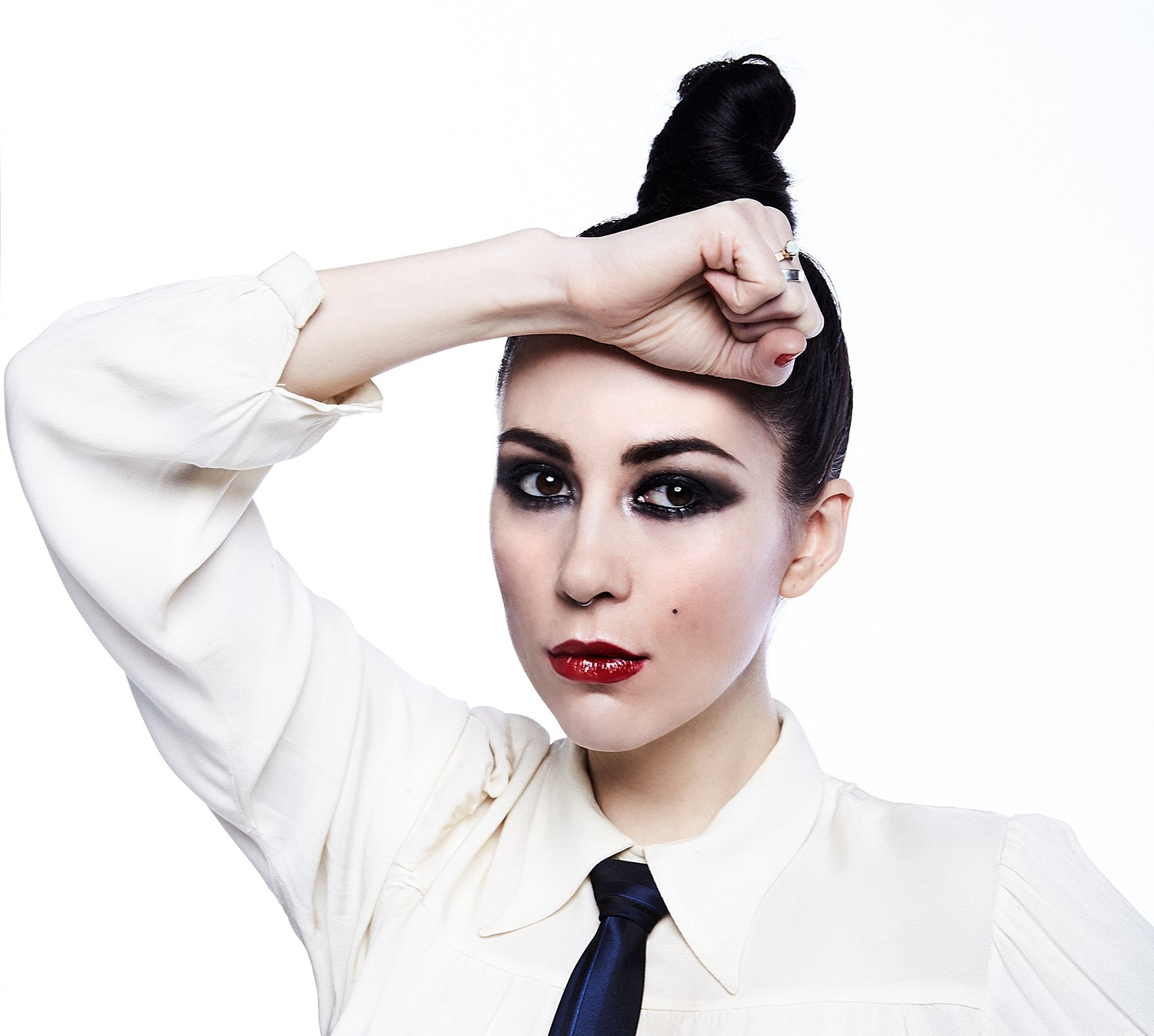 "Kristin Kontrol Releases Soaring Electro-Pop Song ""Concrete Love"""
