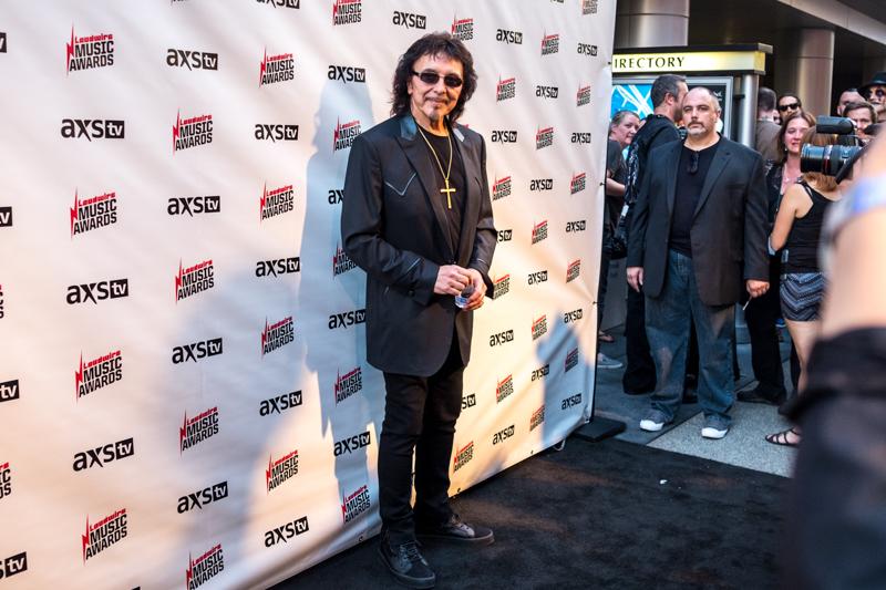 Tony-Iommi-Loudwire-Awards-MA-10242017