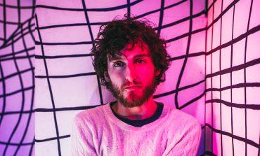 """mxdwn PREMIERE: John Calvin Abney Showcases Indie Folk Chops on Yearning New Song """"Sundowner"""""""