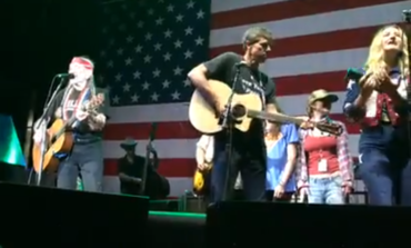 Beto O'Rourke Jams With Willie Nelson