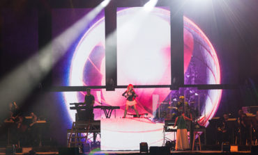 "Lindsey Stirling Debuts Upbeat New Single""The Upside"""