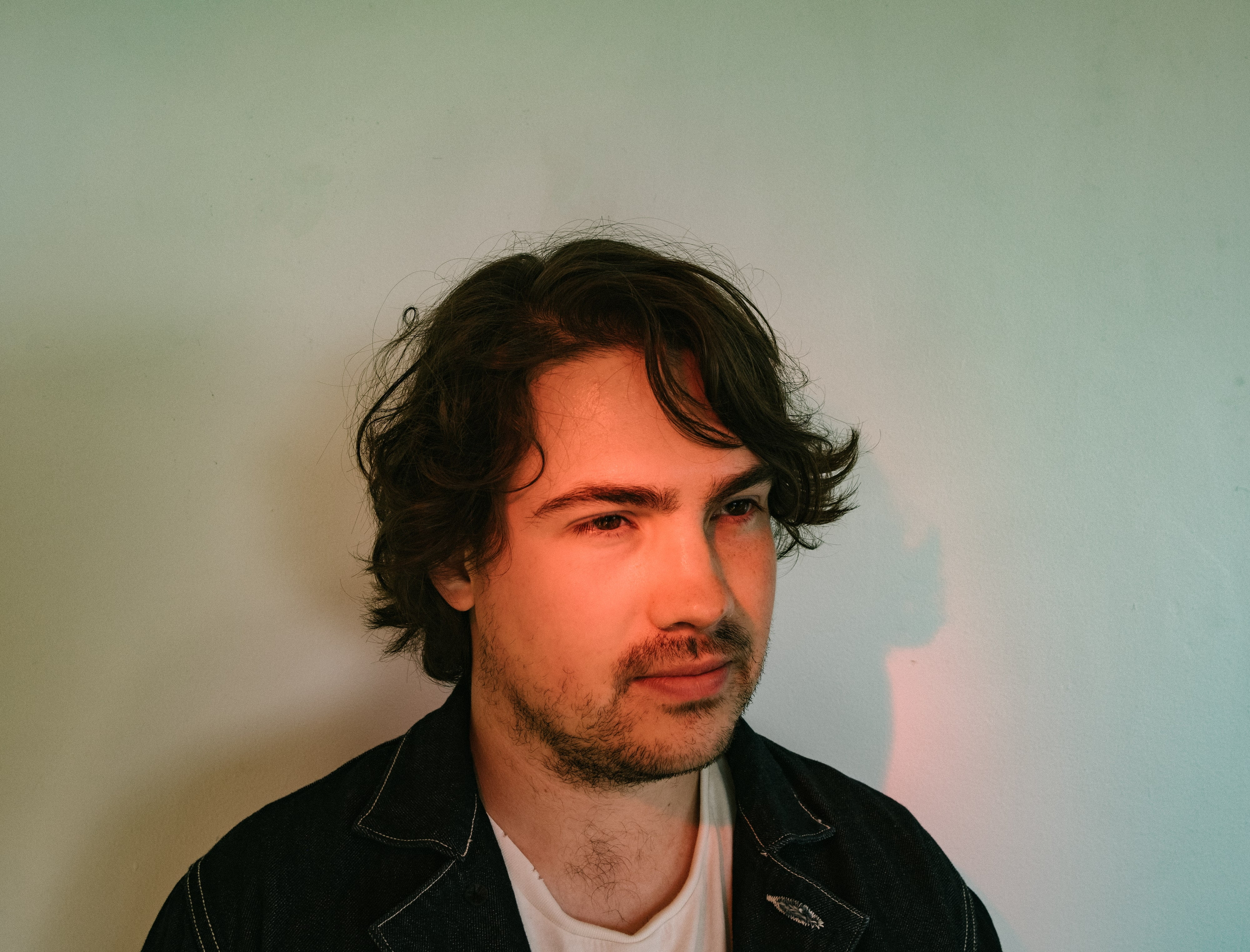 """mxdwn PREMIERE: Alex Bloom Releases New Video for the Blissed-Out Fuzz Rocker """"Cigarette"""""""