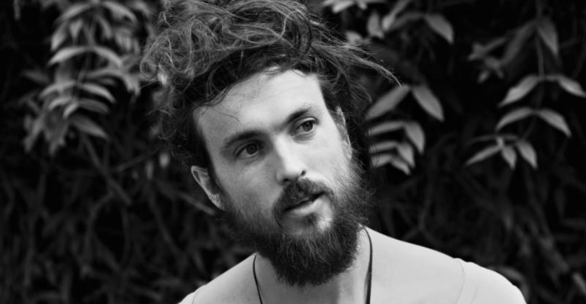 mxdwn Interview: Alex Ebert Defining Personal Futurism on New Album I vs. I and Talks About Balancing Life as a Father