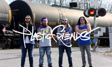 "mxdwn PREMIERE: Plastic Friends Are Looking For Answers on New Song ""White Mirror"""