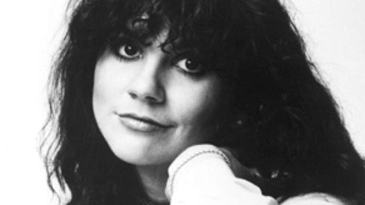 Linda Ronstadt Speaks About Mike Pompeo s State Department Dinner Mxdwn Music